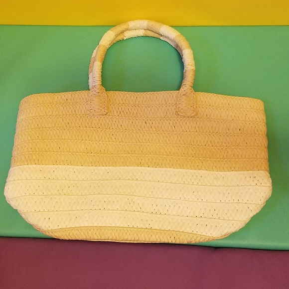 Altru Tan and Cream Woven Handbag